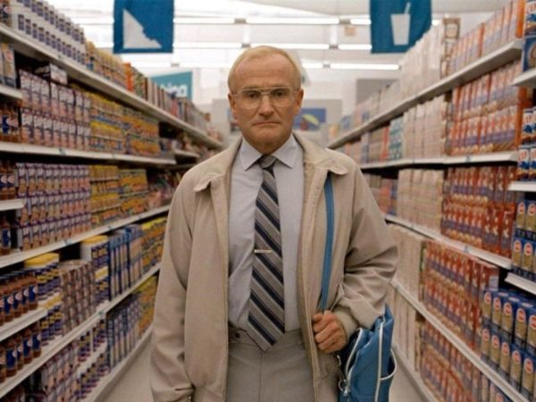 Robin Williams, Zdjęcie w godzinę, One Hour Photo, Mark Romanek, Yorkin, kryminał, dreszczowiec, zdjęcia, foto, fotografia, aparat, Instagram, Savemart, Wallmart, USA, stalking, psycho, wyobraźnia, policja, Connie Nielsen, Evangelion, Neon Genesis Evangelion