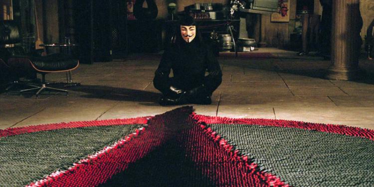 V jak Vendetta, V for Vendetta, Hugo Weaving, Natalie Portman, John Hurt, demokracja, 5 listopada, Wachowski